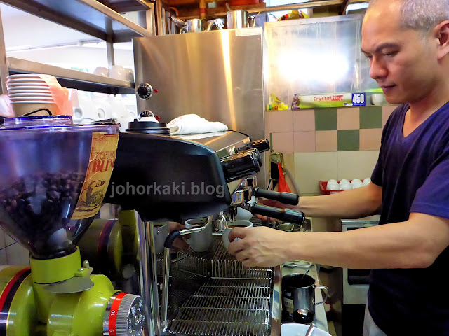 Best-Singapore-Hawker-Centre-Coffee-Kopi-More-Gold-Mile