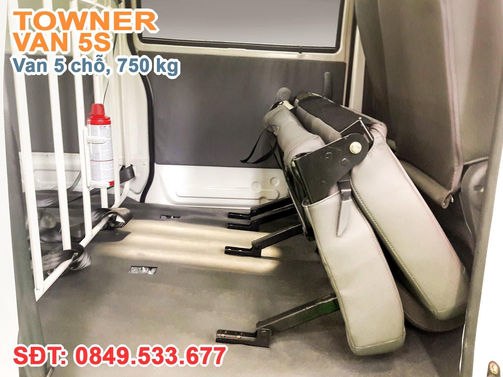 Xe thaco Towner 5S, Băng ghế sau được thiết kế có thể gấp gọn về phía trước để tận dụng không gian chở hàng khi cần thiết