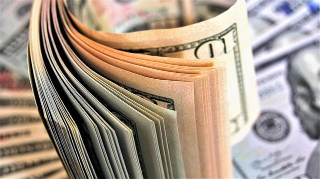 Tidak menyimpan aset berbentuk uang