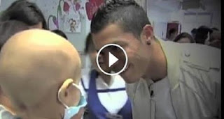 """""""رونالدو"""" يبهر العالم بتصرف لا يصدق مع الطفل الفلسطيني الدوابشة"""