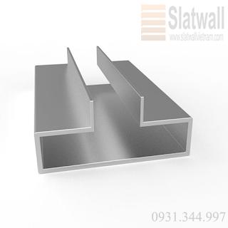 Tấm gỗ slatwall panels cài rãnh nhôm T trưng bày cho showroom, cửa hiệu - 221331