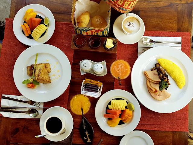 Breakfast Mahagiri villas Sanur-Bali