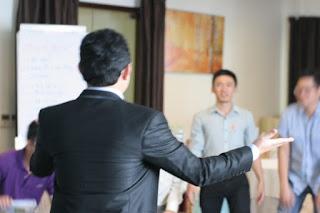 khóa huấn luyện kỹ năng bán hàng