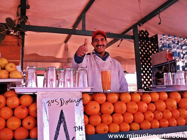 Zumo-naranja-Jmaa-El-Fna