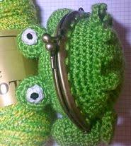 http://www.todopatrones.es/monedero-amigurumi-crochet-rana.html