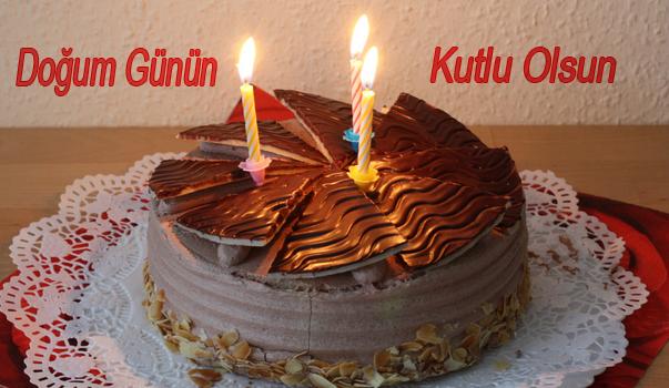 Mumlu Çikolatalı pastayla doğum günü kutlama kartı