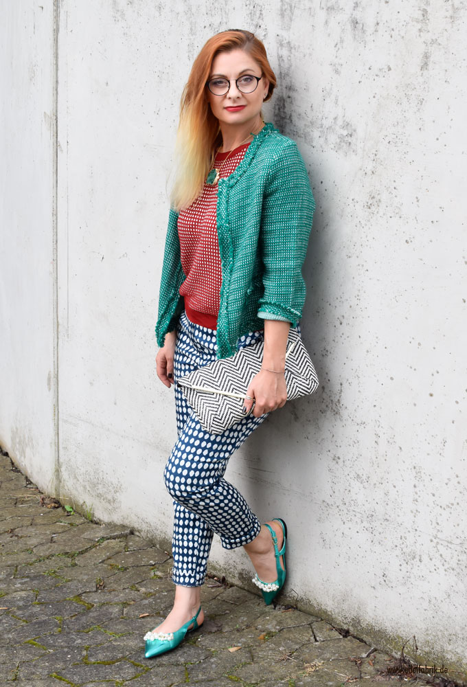So stylst Du einen guten Mustermix, grüne Schuhe mit Perlen