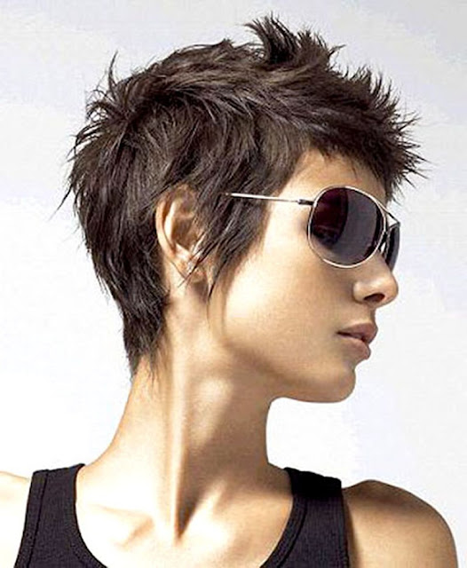 Top Hairstyles Models: Short Haircuts For Girls In Cool Look