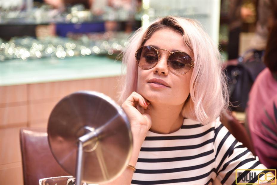 Sophie Charlotte marcou presença na noite desta terça-feira (27) no  lançamento da nova coleção de óculos da Prada, na Oculum do RioMar. 818fe6e39c