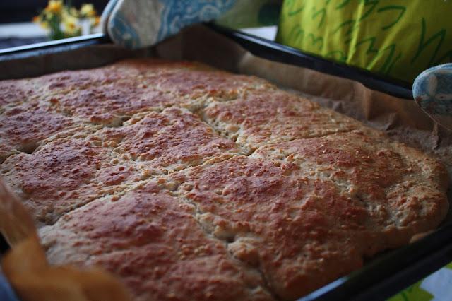 peltikauraleipä peltileipä kauraleipä leipä hera hyötykäyttö hävikki hävikistä herkuksi leivonnainen