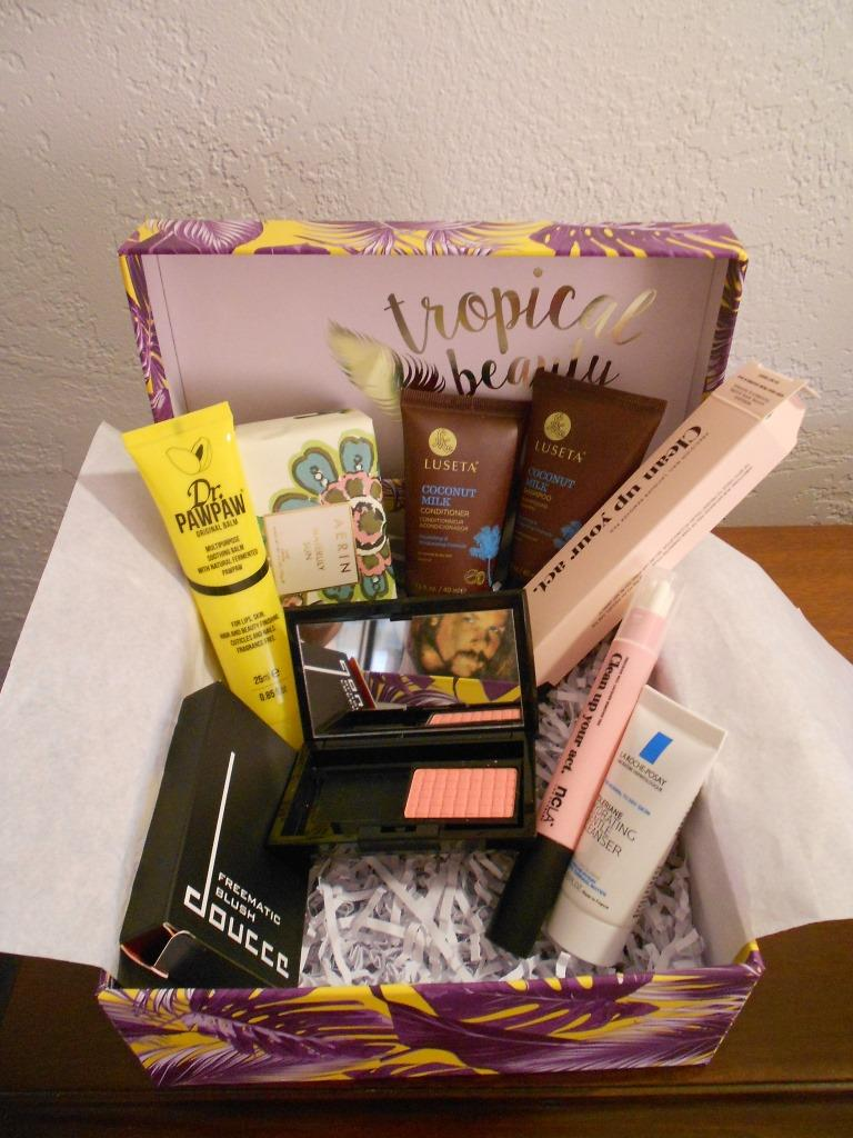Glossybox Tropical Beauty July 2017