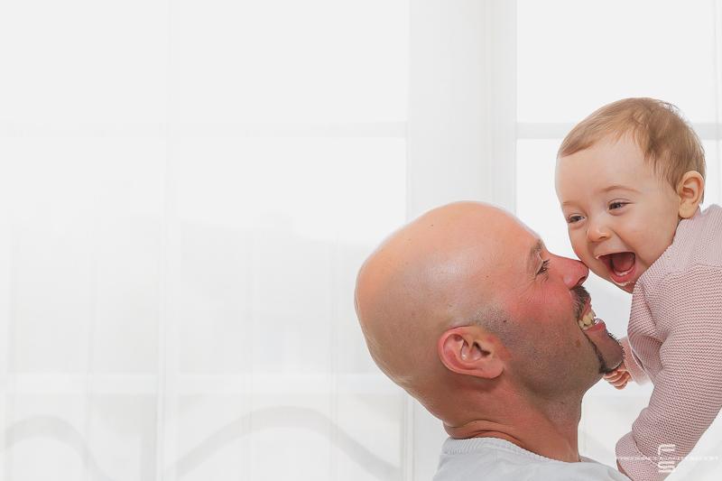 seance photo photographe photographie famille enfants enfant garcon fille bébé parents papa maman fils