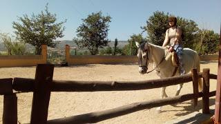 montando a caballo en torrelaguna