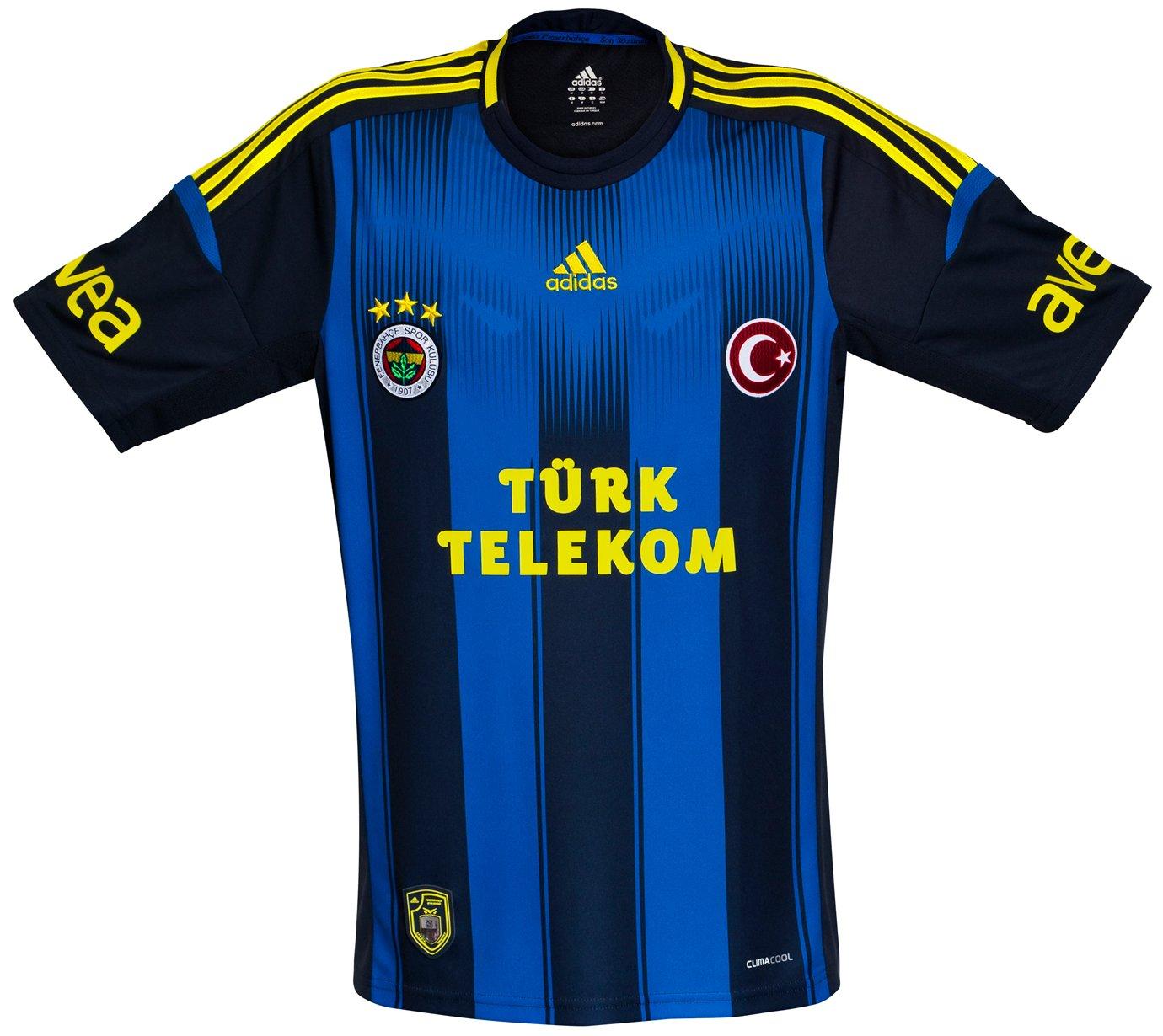 a19db519b A Classic Football Shirts possui a maior coleção de camisas internacionais  de futebol. A loja faz entregas no mundo todo e usando o cupom
