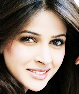 Saba Qamar, Bollywood's