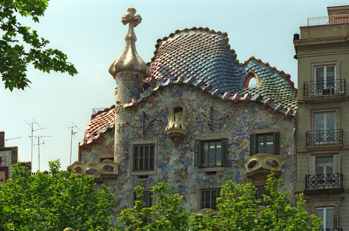 Barcelone, Passeig de Gràcia, Casa Batllo, Gaudi, © L. Gigout, 1991