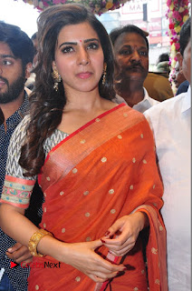 Actress Samantha Pictures in Saree at South India Shoping Mall Launch 0285