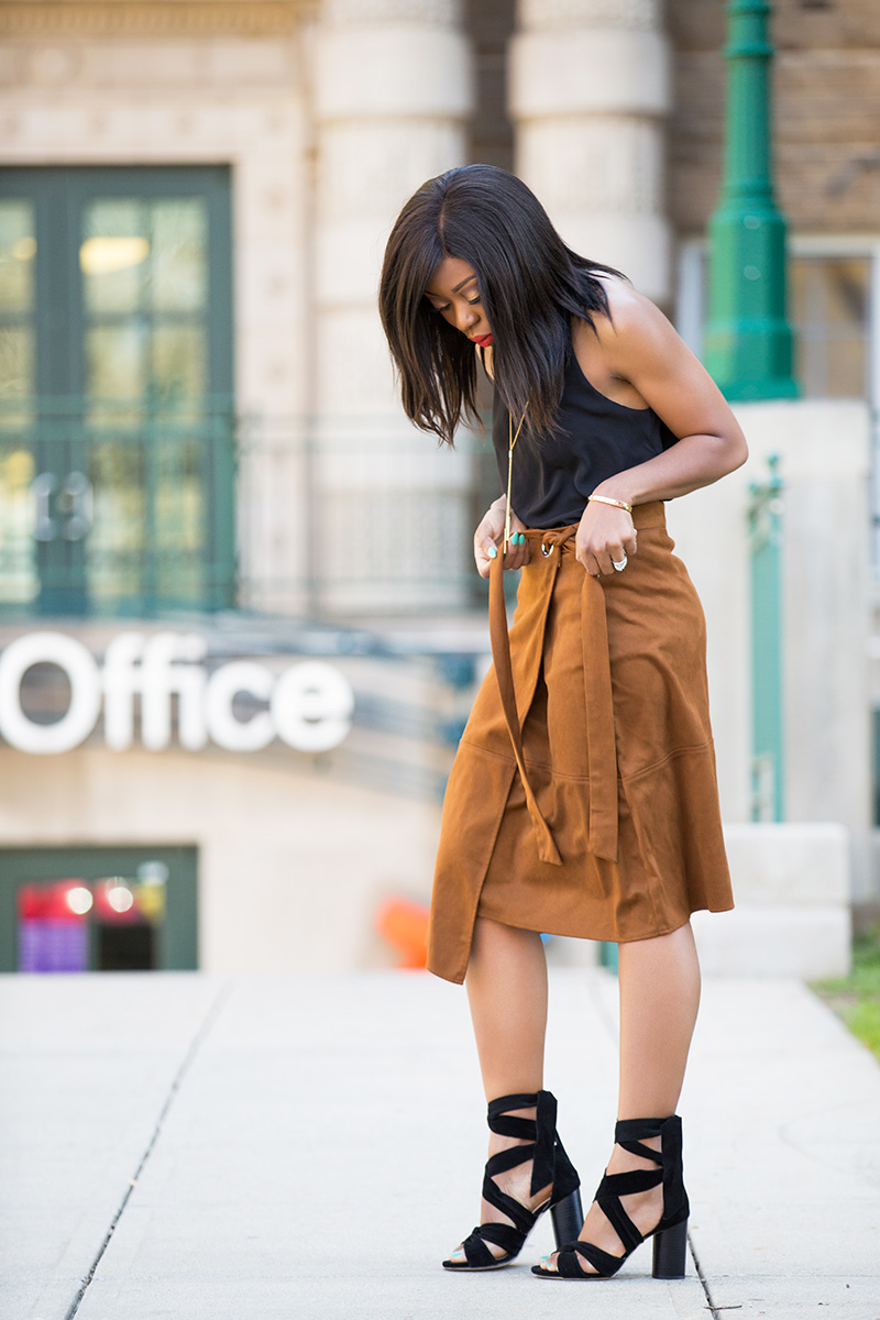 Le Tote, suede skirt, raye shoes, www.jadore-fashion.com