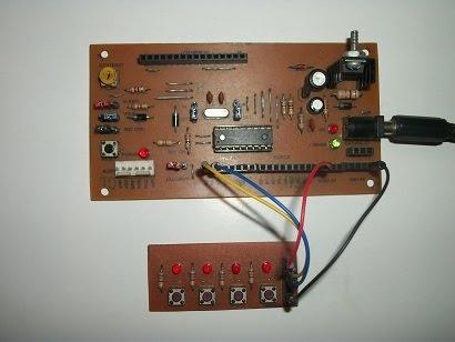 Kit teclado electrónico y entrenador PIC 16FXXX.