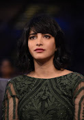 Shruti Haasan sizzling at SIIMA awards-thumbnail-2