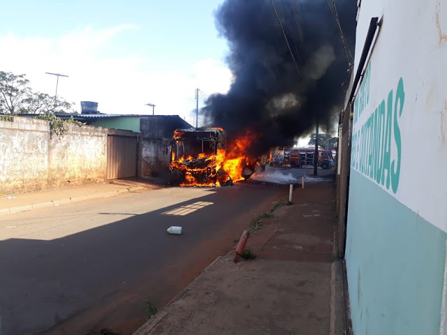 Pra quem não acreditou! Mais de 30 ônibus são atacados em 12 cidades de Minas Gerais em menos de 24 horas