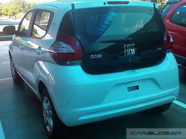 Novo Fiat Mobi Like 2017 - porta-malas