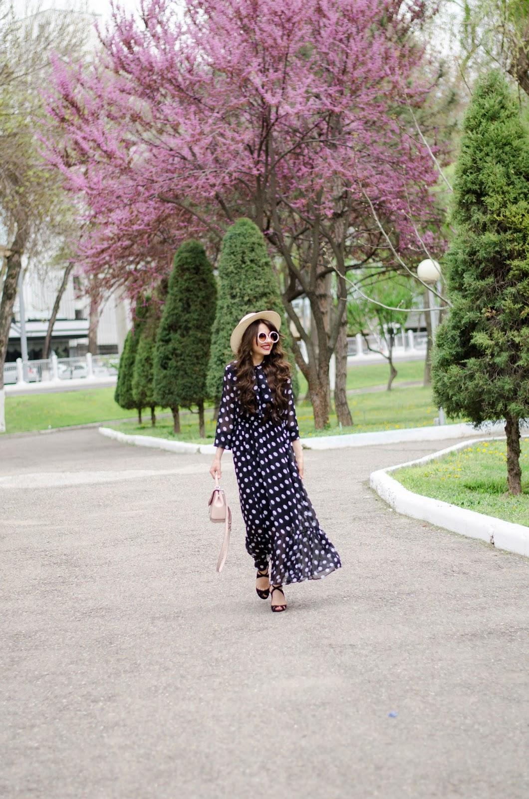 fashion blogger diyorasnotes diyora beta polka dot dress maxi straw hat heels koto romantic look outfit