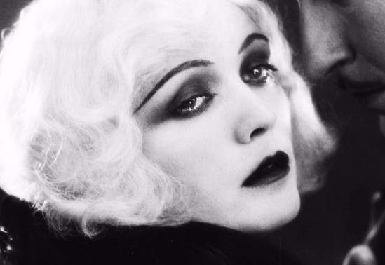 maquiagem dos anos 1920