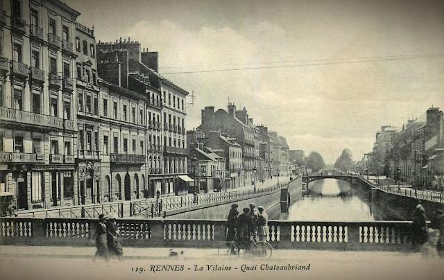 Les quais Chateaubriand et Émile Zola vus depuis le pont Jean Jaurès vers1920...