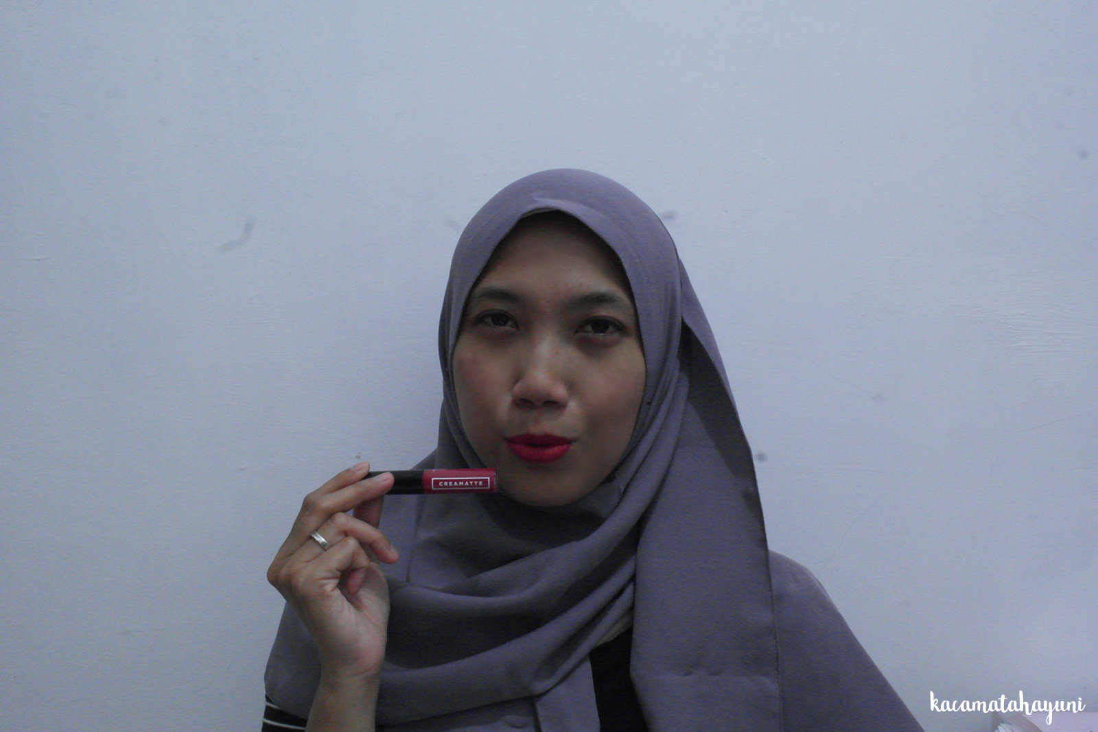 Kacamata Hayuni Review Matte Lipstick Lokal Murah Emina