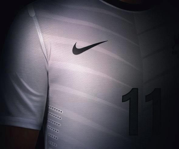 A camisa segue o mesmo padrão utilizado no fardamento reserva ( veja matéria  ) que já havia sido apresentado anteriormente. 6f4b89626c971