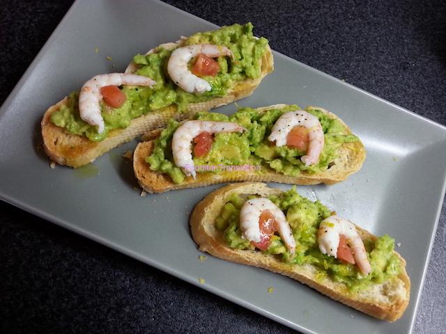 Bruschetta avocado e gamberetti - Shrimp and avocado toast