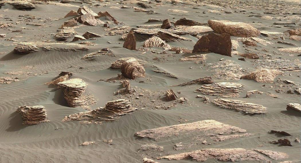 Hình ảnh này được chụp bởi tàu Curiosity vào ngày 26 tháng 3 năm 2017, nhằm sol 1648. Hình ảnh: JPL-Caltech/MSSS/NASA.