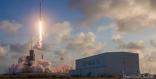SpaceX Falcon 9 Rocket (Photo Credit: SpaceX)