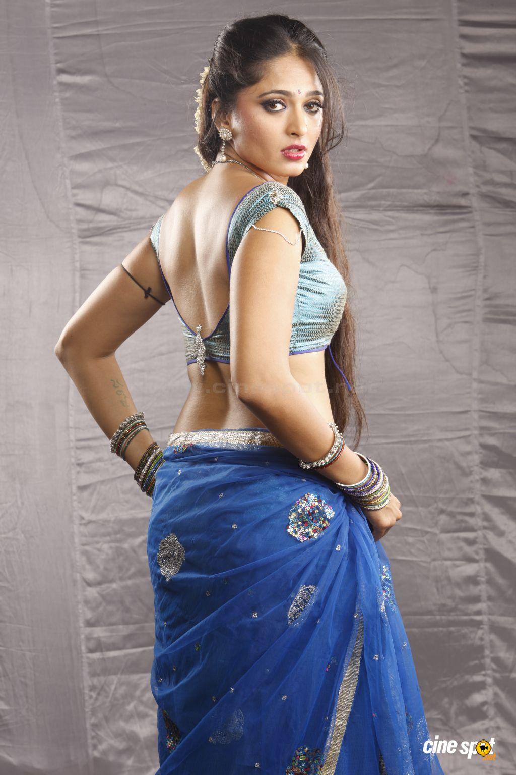 Sexy and hot Anushka Shetty killer look photos and images