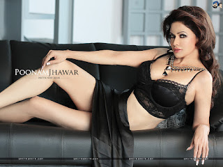 Poonam Jhawar Sexy Outfit On Couch 1