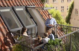 Wyjdź na taras – przez okno dachowe. Innowacyjne rozwiązanie firmy VELUX
