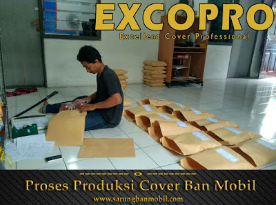 proses packing sarung ban cover ban mobil