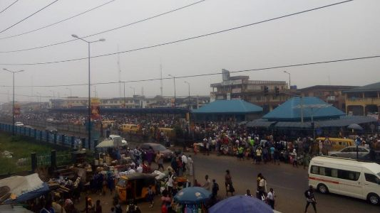 Protest as Lagos bans LAGBUS from plying Ikorodu Road (photos)