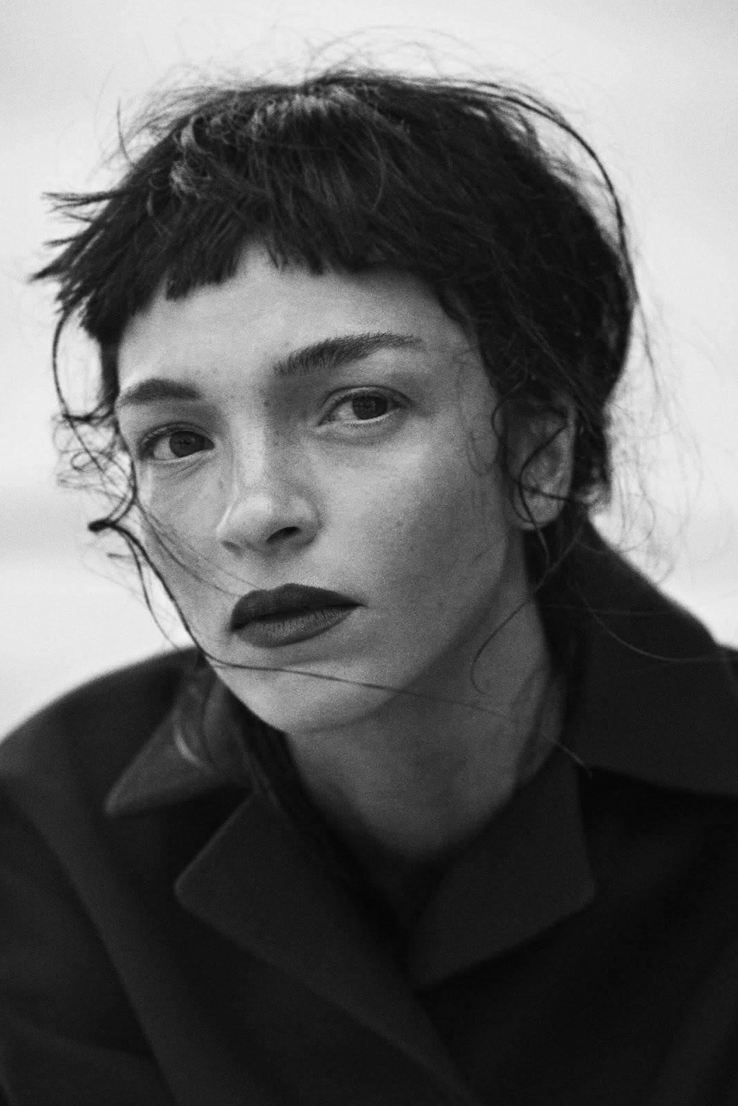 Smile Mariacarla Boscono In Vogue Italia November 2014 By