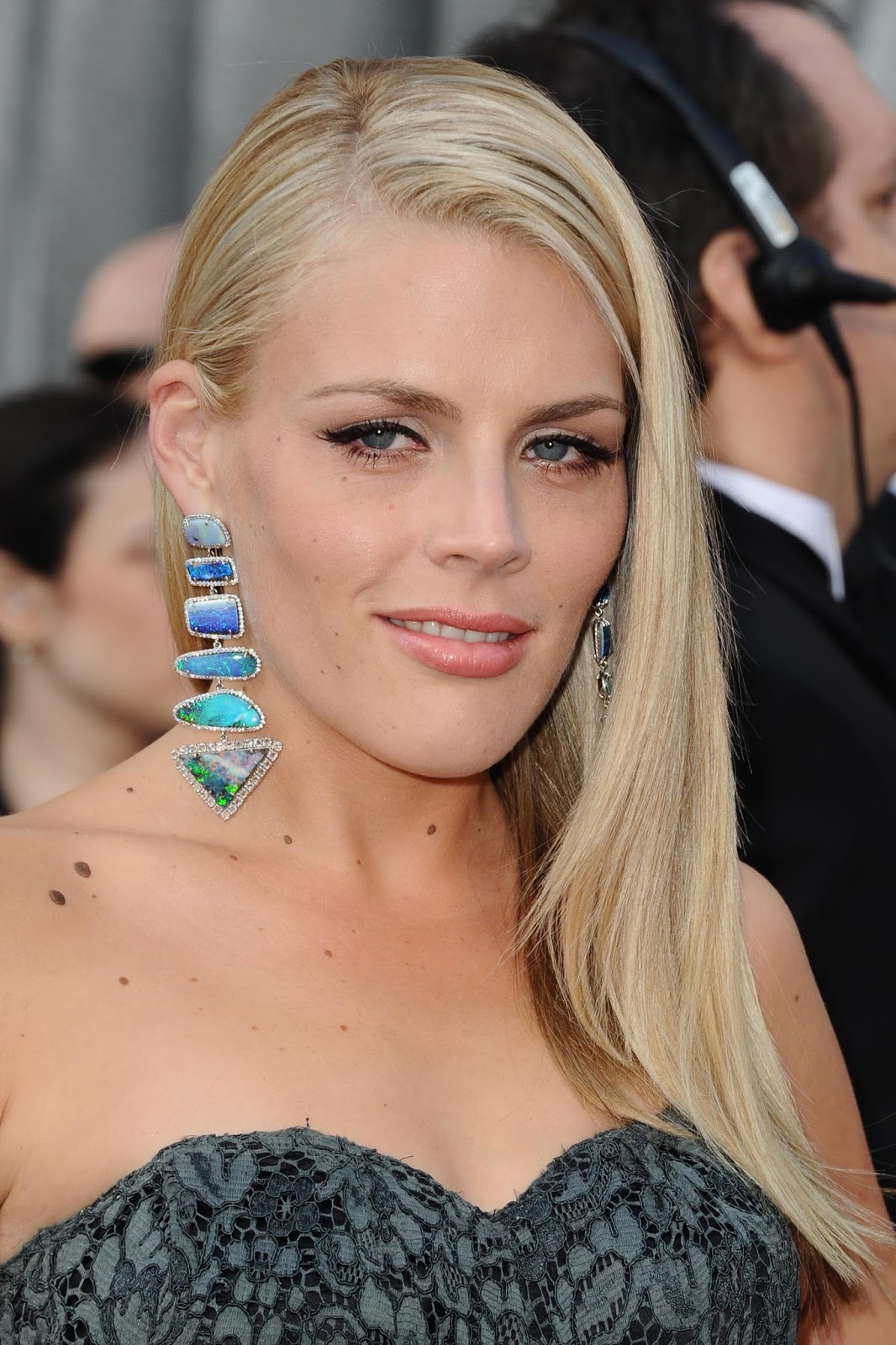 Busy Philipps Sexy HQ Photos at 84th Annual Academy Awards ~ HQ PIXZ