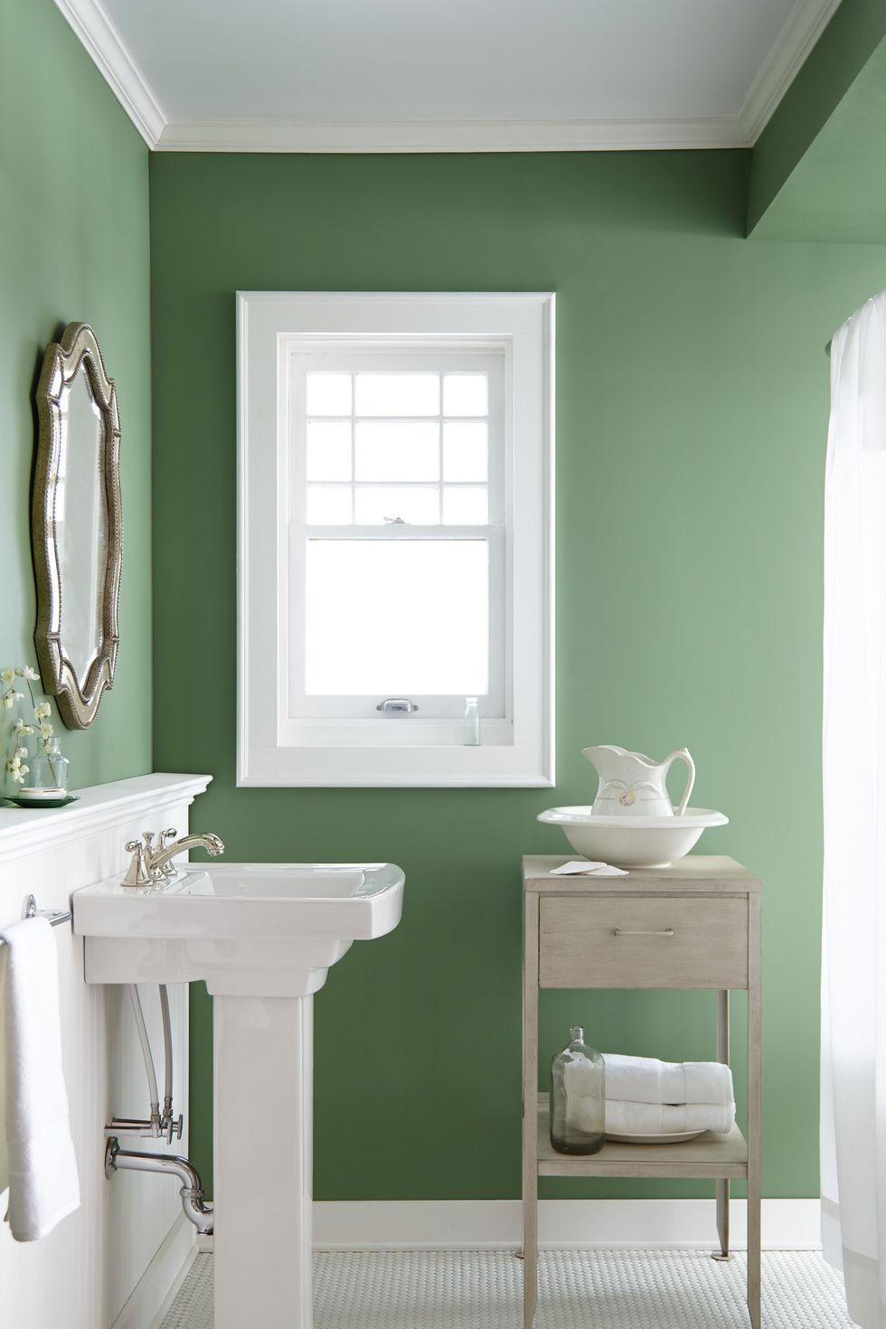 Love This Green Painting Color U0027Magnolia Greenu0027 For The Bathroom. Design  Guru And Fixer Upper Star Joanna Gaines Reveals Her Favorite Paint Color  U0027Magnolia ...