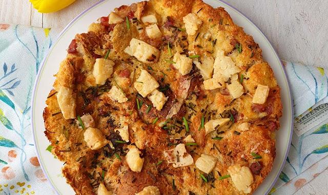 Torta di pane con toma e pancetta