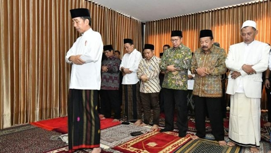 Elektabilitas Jokowi di Kalangan Pemilih Muslim Cenderung Turun