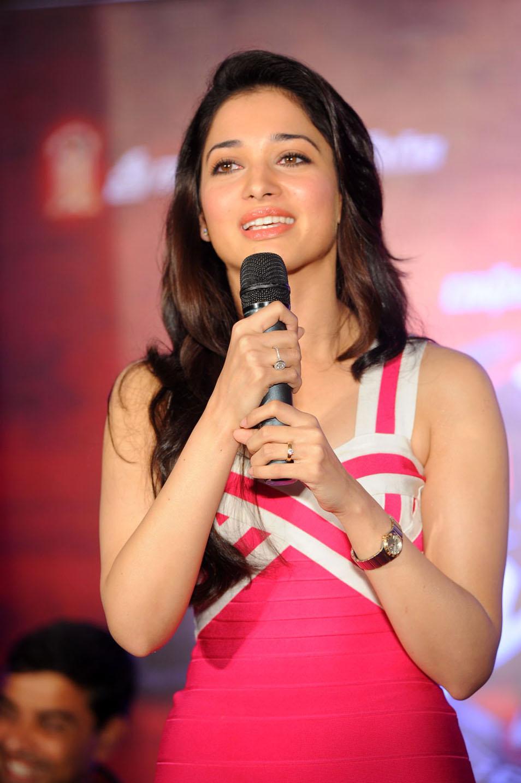 Actress Tamanna Photos: Tamanna Latest Stills