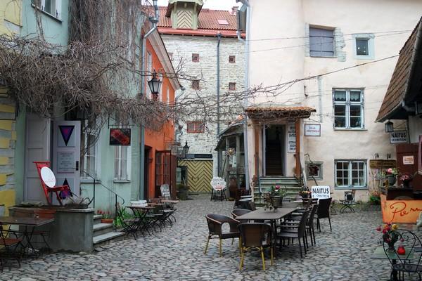estonie tallinn vieille ville masters' courtyard