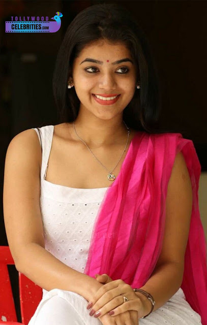 Yamini Bhaskar Family Husband Parents children's Marriage Photos