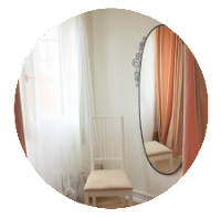 Foto do atelier da bra&company. Acolhedor, feminino e confortável