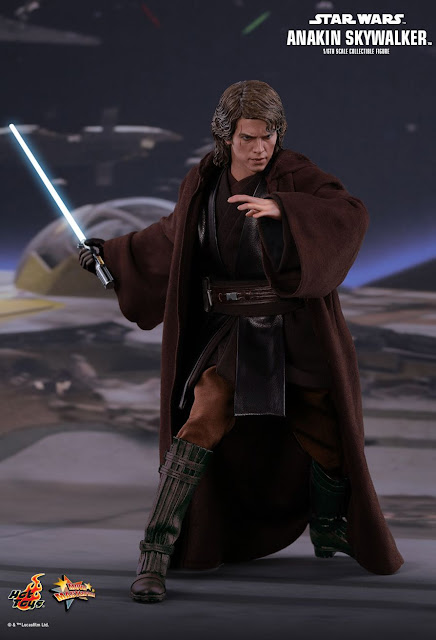 osw.zone Hey Toys Star Wars: Episode III Revenge of the Sith 1 / 6th Anakin Skywalker Collector Figure