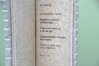 Me encantó esta poesía y no puedo por menos de dejárosla. O esta chimenea 83afaf9d795
